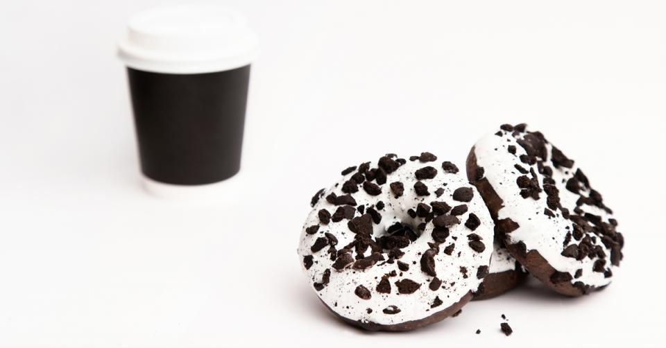 Drinking coffee after cake helps keep the pounds off
