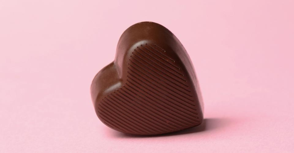 Chocolate reduces heart attack risk